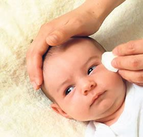 bebeklerde-goz-capaklanmasi