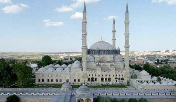 Kasım Aylarında Yaşanmış Tarihi Olaylar-Selimiye Camii