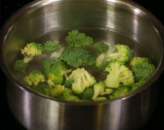 Bademli Brokoli Çorbası ve Katmer Tarifi