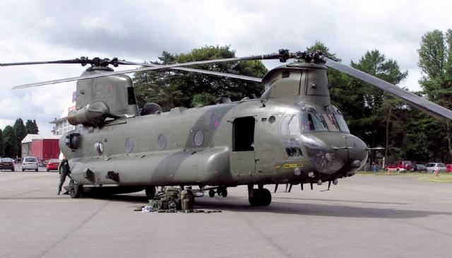 Uçan Kale CH-47F Yük Helikopteri İnceleme