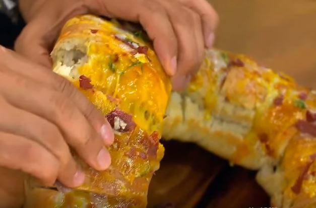 Pastırma ve Kaşar Dolgulu Ekmek Yapımı