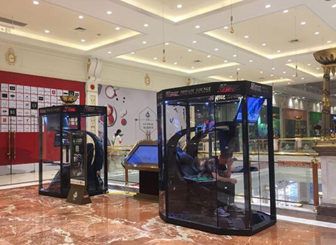 Çinli Alışveriş Merkezinde Kocaya Özel Alan