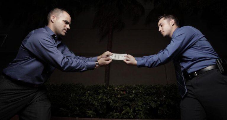 Muvaza Davası Para