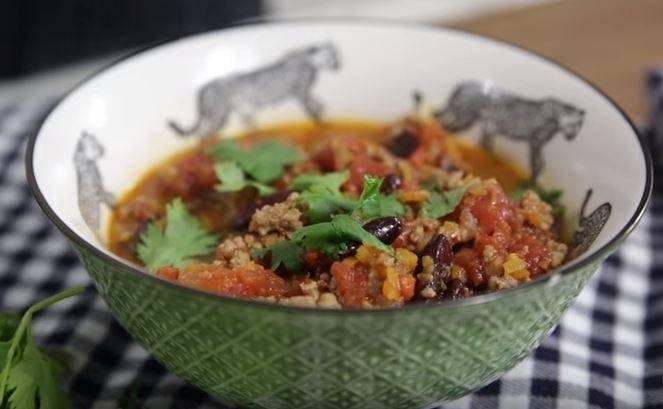 Kıymalı Meksika Fasulyesi Yemeği Tarifi
