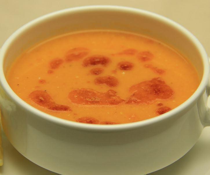 Kırmızı Mercimek Çorbasının Yapılışı Tarifi