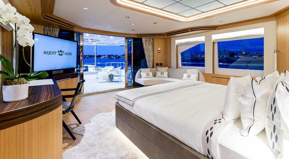 Avrasya Boat Show Majesty 110
