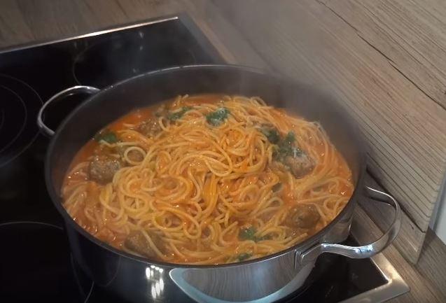 Misket Köfteli Spagetti tarifi