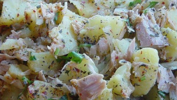 Ton Balıklı Patates Salatası yapımı