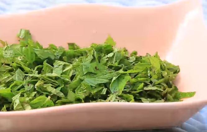 Nane Salatası Yapımı