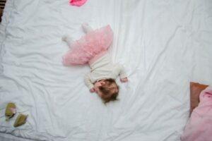 Yüzüstü Uyumak Bebek