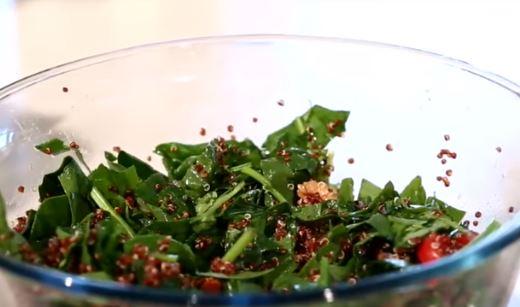 Ispanak Salatası yapımı