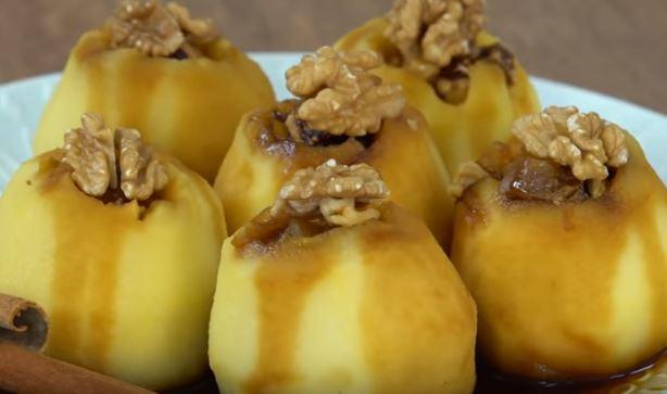 Pekmezli Elma Tatlısı Yapımı