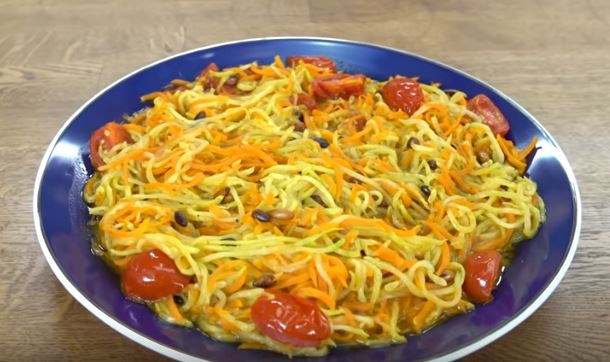 Sebze Noodle yapımı