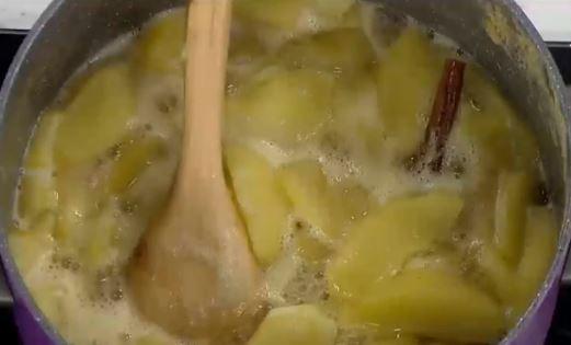 Şekersiz Elma Reçeli Nasıl Yapılır?
