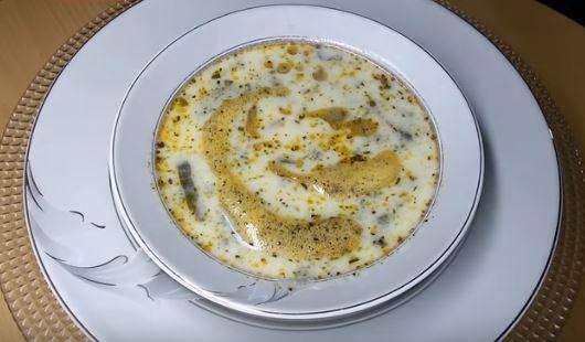 Yoğurtlu Ispanak Çorbası yapımı
