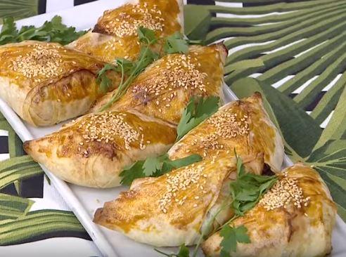 Acılı Ispanaklı Börek yapımı