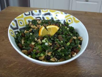 Karalahana Salatası Yapımı