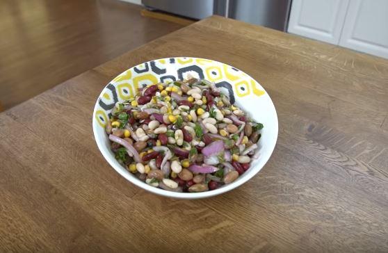 3 Fasulye Salatası Yapımı