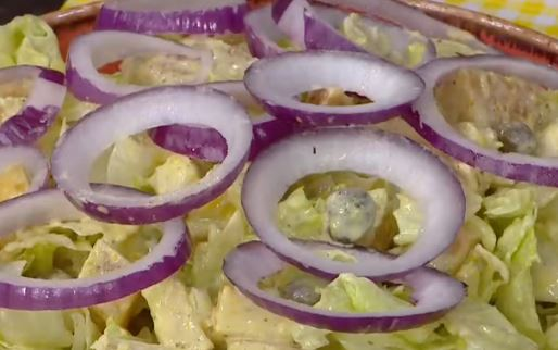 Ayvalı Tavuklu Salata Yapımı