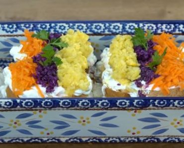 Bayat Ekmek Salatası Yapımı