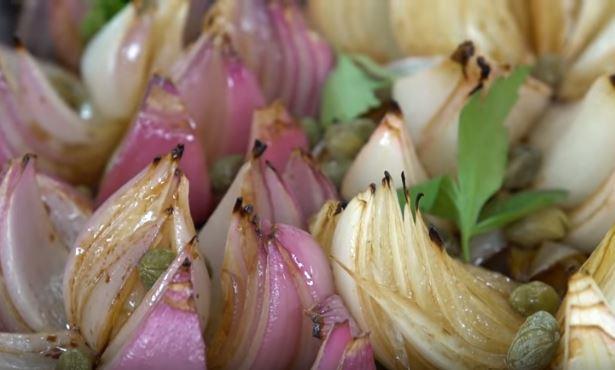 Balzamik Sirkeli Fırında Çiçek Soğan Yapımı