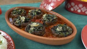 Güveçte Ispanaklı Mantarlı Köfte Çanakları Yapımı