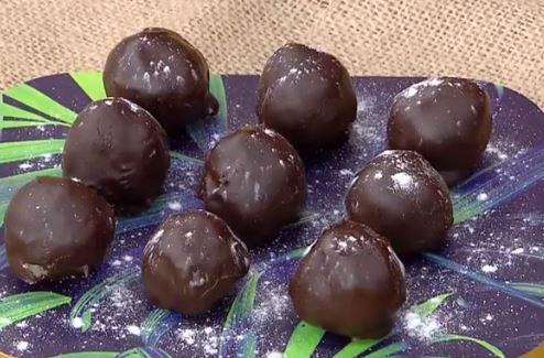 Hindistan Cevizi Dolgulu Çikolata Yapımı