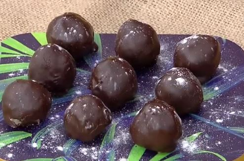 Hindistan Cevizi Dolgulu Çikolata Tarifi