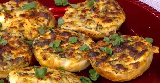 Peynirli ve Maydanozlu Fırın Ekmek Tarifi