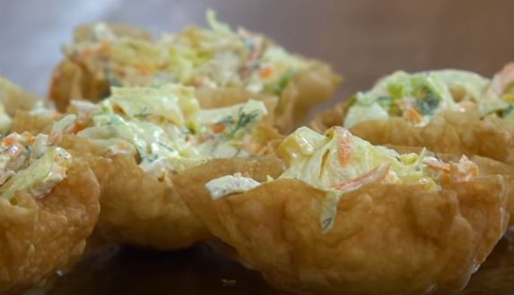 Göbek Marullu Tavuk Salatası Yapımı
