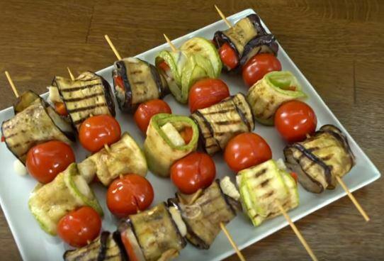 Sebze Şişleri Salatası Tarifi