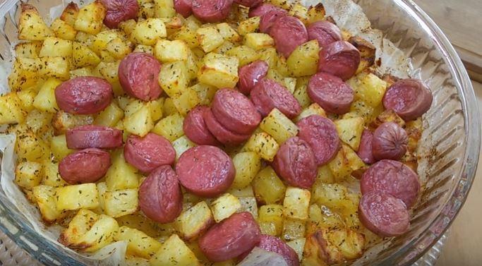 Fırında Sosisli Patates Yapımı