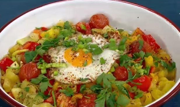 Sıcak Kahvaltı Salatası Yapımı