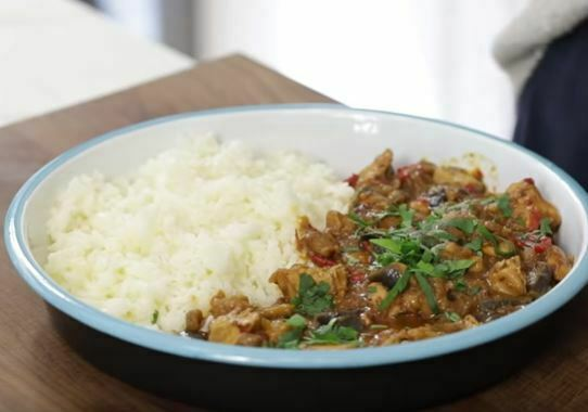 Patlıcanlı Tavuk Yemeği Nasıl Yapılır?