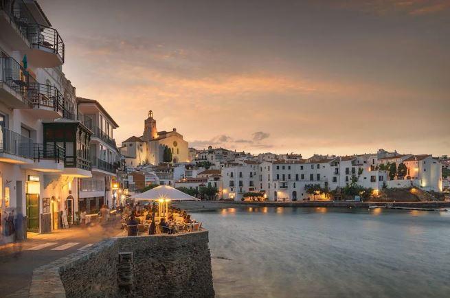 Avrupa'nın En İyi 17 Küçük Kasabasını Seyahat Cadaqués İspanya