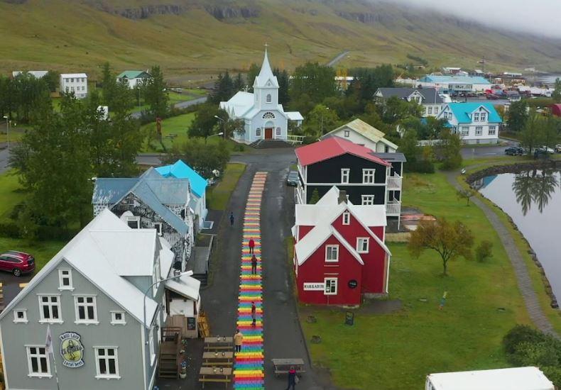Avrupa'nın En İyi 17 Küçük Kasabasını Seyahat Seydisfjordur İzlanda